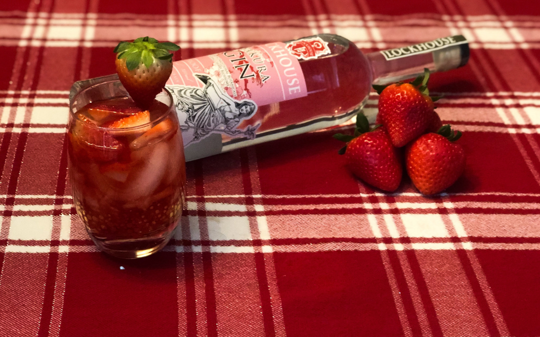 Our Romantic Cocktail Recipe Roundup